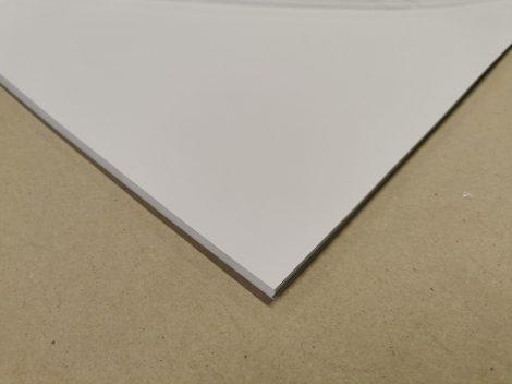 """Dekorációs karton anyagában színezett 50x70cm 220gr """"'00"""" hófehér 25ív/csg"""